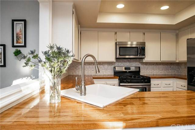 94 Wild Horse, Rancho Santa Margarita, CA 92688 (#OC21000694) :: Mint Real Estate