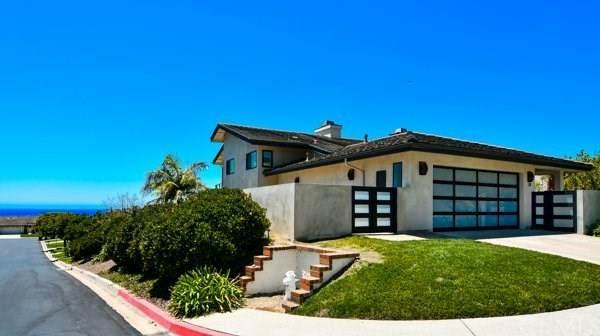 28 Skysail Drive, Corona Del Mar, CA 92625 (#NP21002222) :: Mint Real Estate