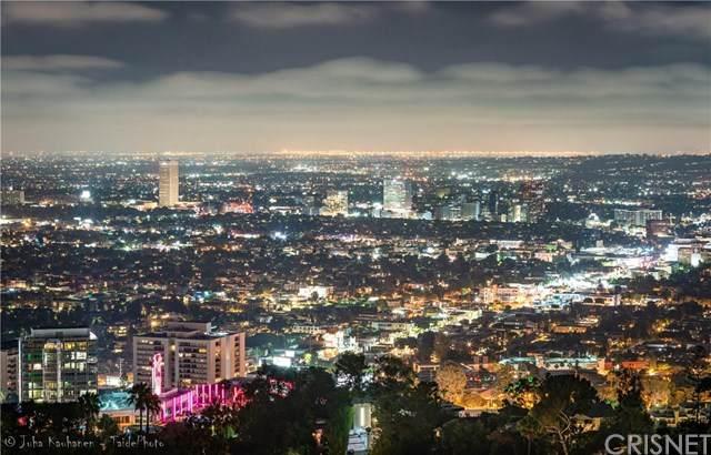 8880 Evanview Drive, Los Angeles (City), CA 90069 (#SR20263770) :: The Parsons Team