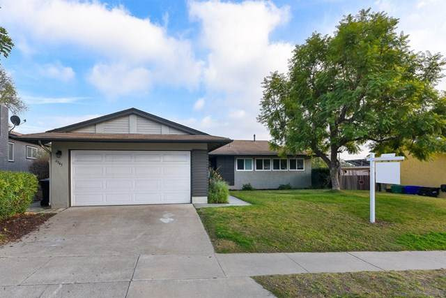6945 Cowles Mountain Blvd, San Diego, CA 92119 (#210000204) :: The Results Group