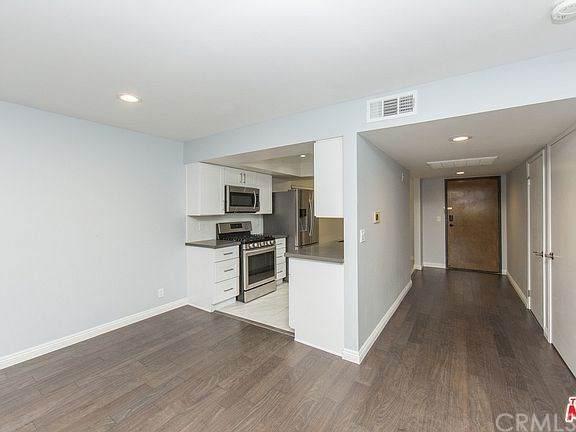 7001 S La Cienega Boulevard #205, Westchester, CA 90045 (#PW21002590) :: Bathurst Coastal Properties