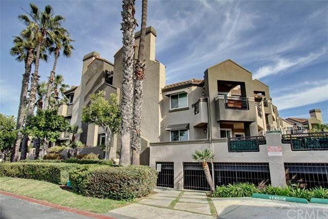 400 Lake Street #303, Huntington Beach, CA 92648 (#PW21004242) :: The DeBonis Team