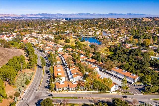 23663 Park Capri #126, Calabasas, CA 91302 (#SR20263645) :: Re/Max Top Producers