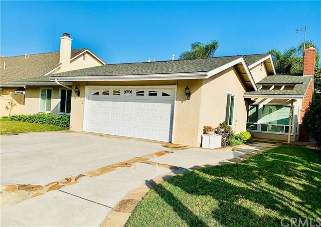 17172 Englewood Circle, Huntington Beach, CA 92647 (#OC21004871) :: The DeBonis Team