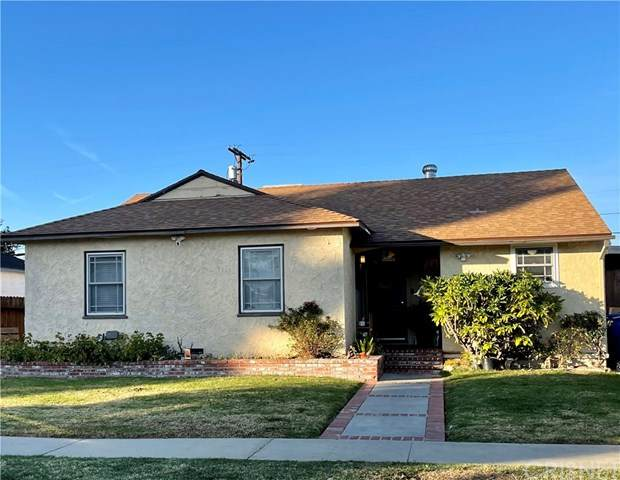 17205 Lanark Street, Lake Balboa, CA 91406 (#SR21005125) :: The Results Group