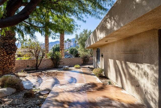 2921 Sunflower Circle E, Palm Springs, CA 92262 (#219055451PS) :: Crudo & Associates