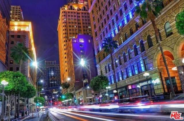 727 W 7th Street - Photo 1