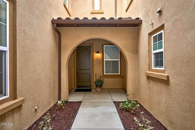 8213 Onyx Street, Ventura, CA 93004 (#V1-3336) :: Compass