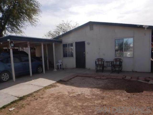 624 St, Calexico, CA 92231 (#210000802) :: Rogers Realty Group/Berkshire Hathaway HomeServices California Properties