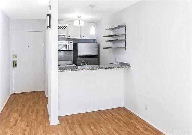320 S Ardmore Avenue #211, Los Angeles (City), CA 90020 (#CV21005915) :: RE/MAX Masters