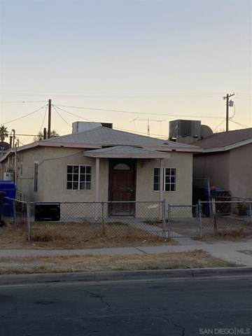 187 E E Orange Ave, El Centro, CA 92243 (#210000835) :: American Real Estate List & Sell