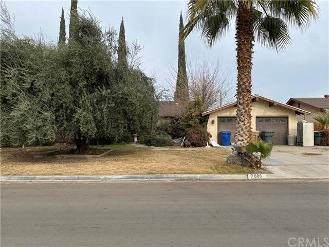 7608 Delight Avenue, Lamont, CA 93241 (#DW21007182) :: Team Forss Realty Group