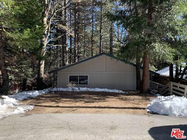 893 Sierra Vista Drive, Twin Peaks, CA 92391 (#21678594) :: The Results Group