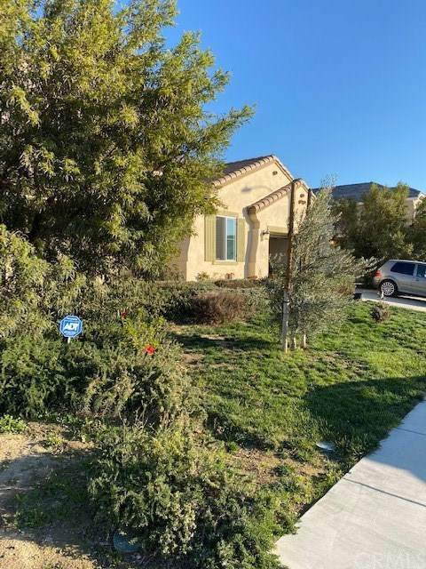 5724 Avocet Drive, Jurupa Valley, CA 91752 (#TR21006409) :: The Results Group