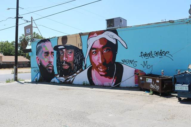 725 N Fresno Street, Fresno, CA 93701 (#V0-220006179) :: The Alvarado Brothers