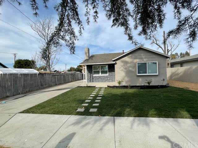520 E Whittier Avenue, Hemet, CA 92543 (#CV21009097) :: Z Team OC Real Estate