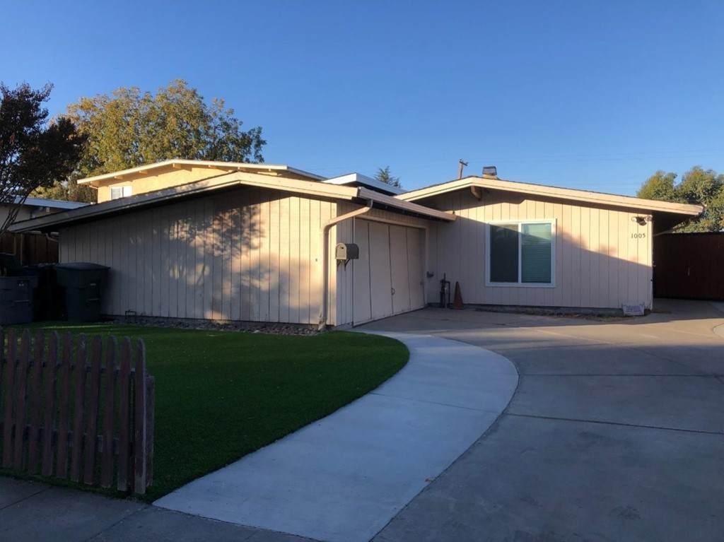 1005 Lakehaven Drive - Photo 1