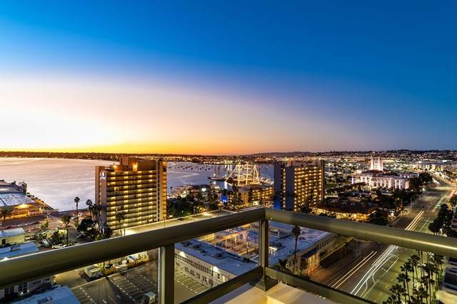 1199 Pacific Hwy #1706, San Diego, CA 92101 (#210001191) :: The Najar Group
