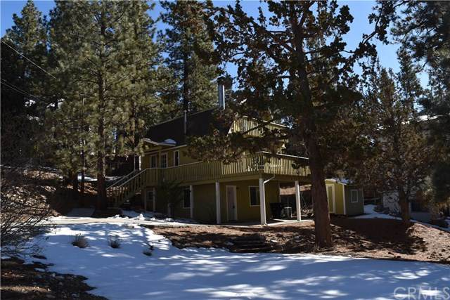 960 Bear Mountain Road, Big Bear, CA 92314 (#TR21009371) :: The DeBonis Team