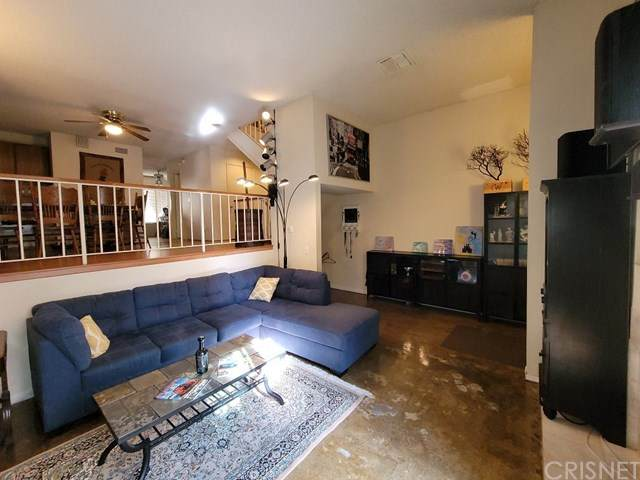 17809 Devonshire Street #2, Northridge, CA 91325 (#SR21009559) :: American Real Estate List & Sell