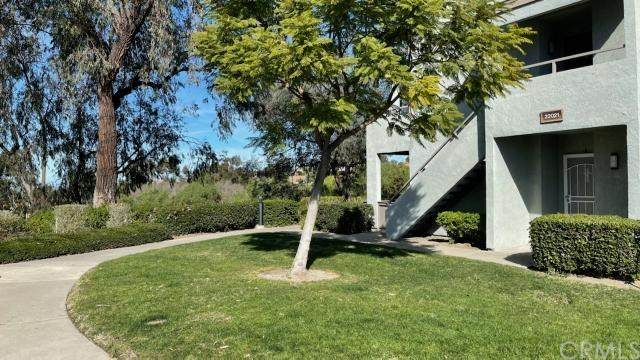 22021 Rimhurst Drive #215, Lake Forest, CA 92630 (#OC21009586) :: Laughton Team | My Home Group