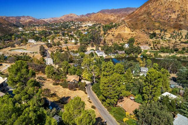 1905 Olivera Drive, Agoura Hills, CA 91301 (#221000231) :: Re/Max Top Producers