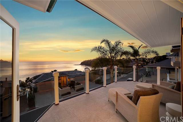 81 Emerald Bay, Laguna Beach, CA 92651 (#LG20261752) :: Doherty Real Estate Group