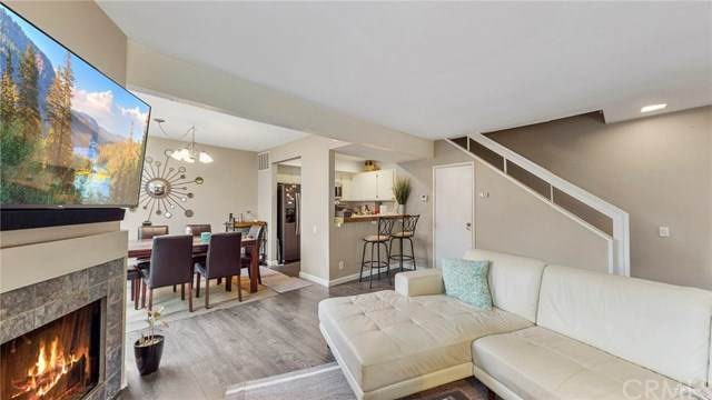 25671 Le Parc #11, Lake Forest, CA 92630 (#PW20262121) :: Laughton Team | My Home Group