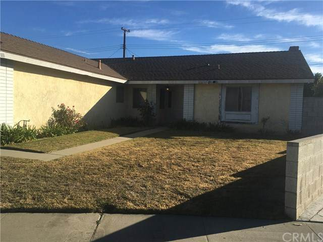 2217 S Linda Way, Santa Ana, CA 92704 (#OC21010211) :: Go Gabby