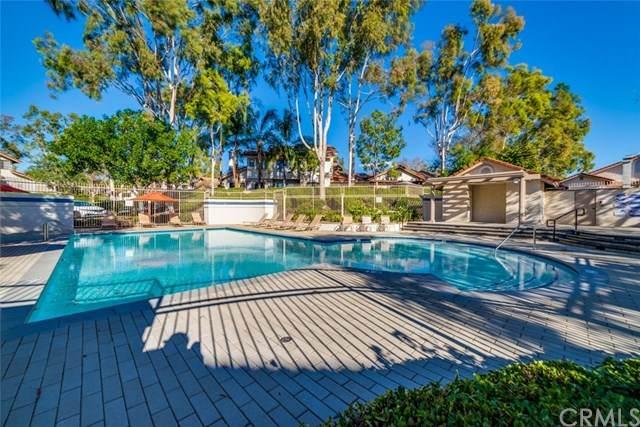 12 Clover Hill Lane #118, Laguna Hills, CA 92653 (#OC21010545) :: Hart Coastal Group