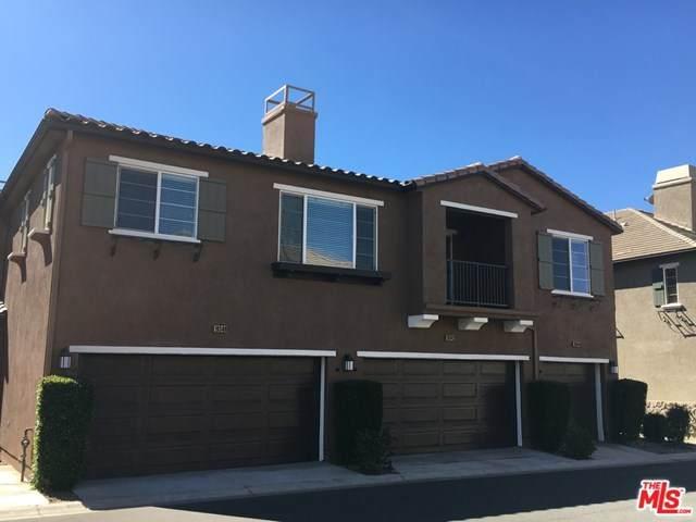 19344 Laroda Lane, Santa Clarita, CA 91350 (#21681640) :: The Alvarado Brothers
