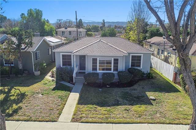 6411 Hesperia Avenue, Reseda, CA 91335 (#SR21008672) :: Team Forss Realty Group