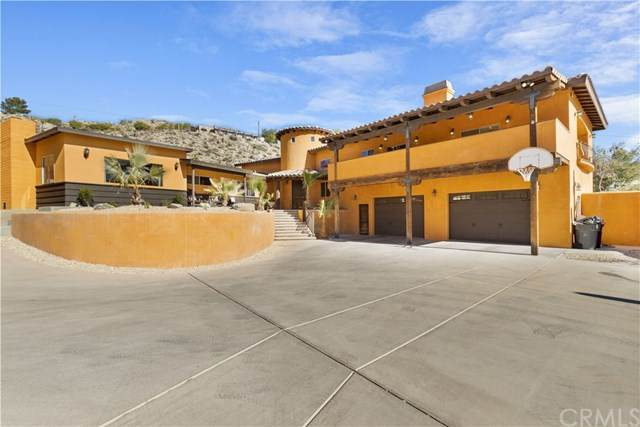 6210 Airway Avenue, Yucca Valley, CA 92284 (#SW21010227) :: Team Forss Realty Group