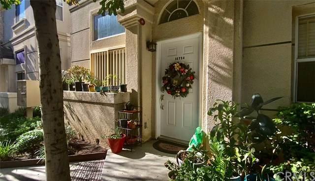 15754 Devonshire Street, Granada Hills, CA 91344 (#CV21011497) :: Team Forss Realty Group