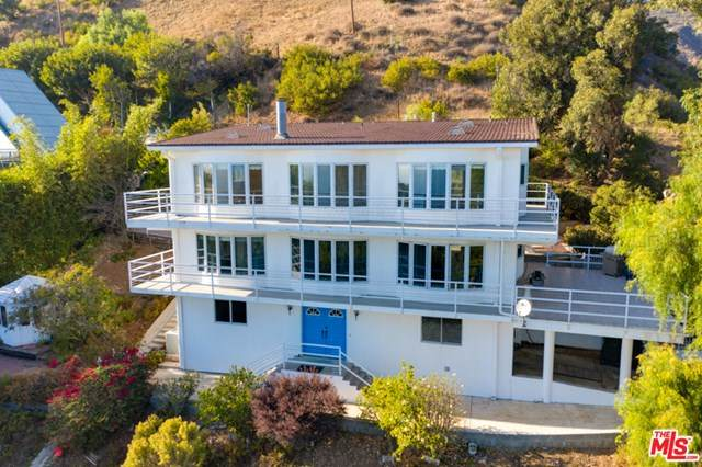 21733 Castlewood Drive, Malibu, CA 90265 (#21682224) :: Team Forss Realty Group