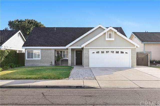 13755 Newcastle Court, Fontana, CA 92335 (#TR21012116) :: Team Forss Realty Group