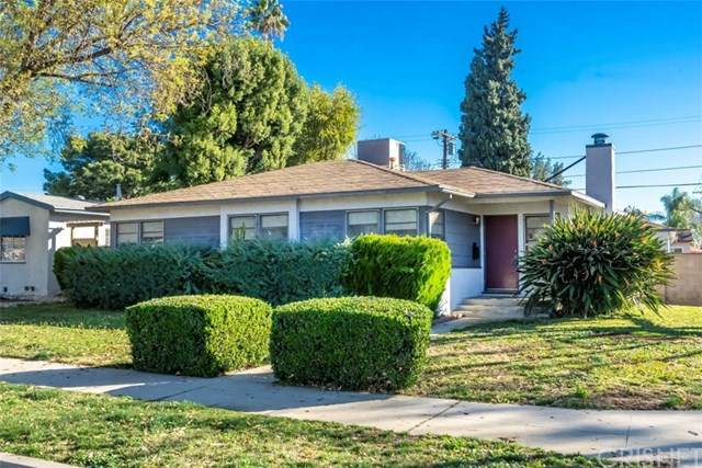 7400 Genesta Avenue, Lake Balboa, CA 91406 (#SR21011628) :: Re/Max Top Producers