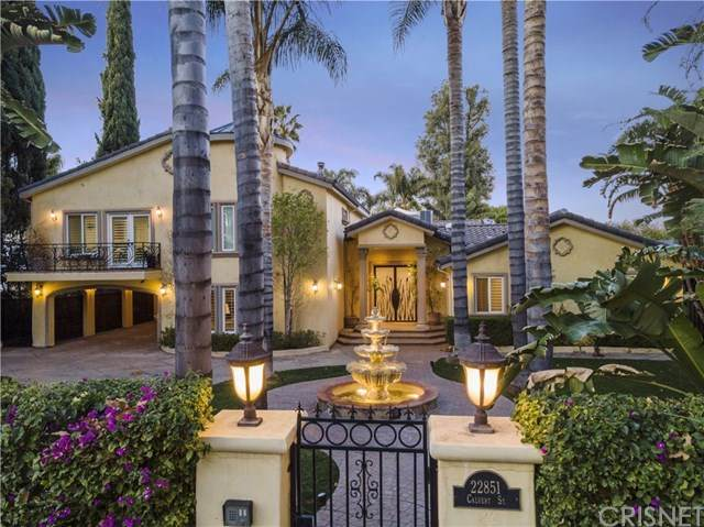 22851 Calvert Street, Woodland Hills, CA 91367 (#SR21008425) :: Bob Kelly Team
