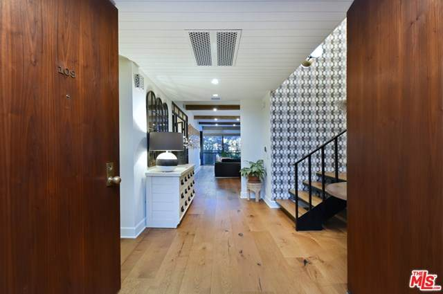 211 S Spalding Drive S109, Beverly Hills, CA 90212 (#21682454) :: Mint Real Estate
