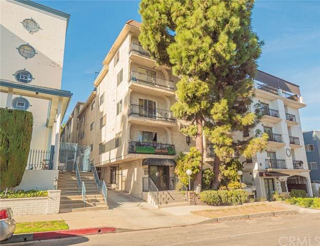 11639 Chenault Street #202, Los Angeles (City), CA 90049 (#DW21012473) :: Team Forss Realty Group