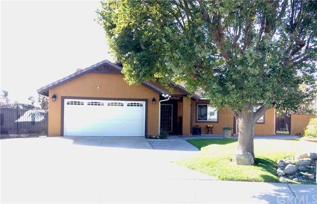 2433 W Summerset Drive, Rialto, CA 92377 (#CV21012223) :: The DeBonis Team