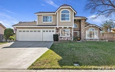 1741 W Candlewood Avenue, Rialto, CA 92377 (#CV21012879) :: The DeBonis Team