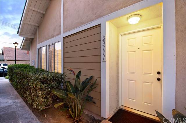 23111 Cherry Avenue #16, Lake Forest, CA 92630 (#OC21011941) :: Steele Canyon Realty