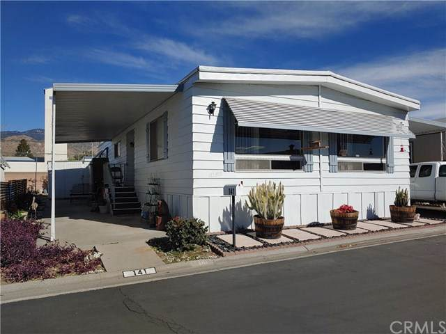 2692 Highland Avenue #141, Highland, CA 92346 (#EV21013088) :: The DeBonis Team