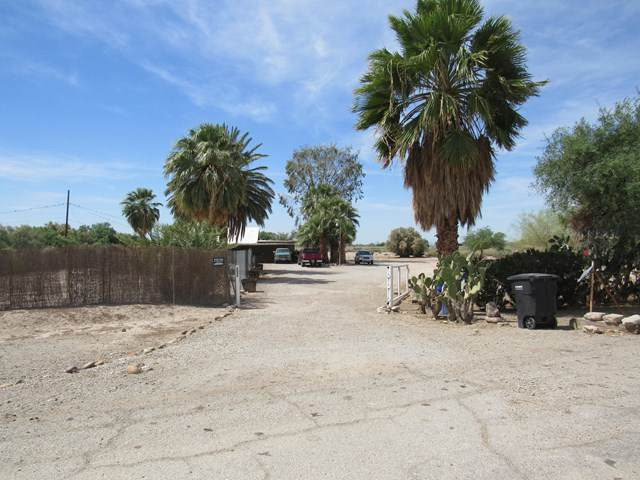 3880 Old State Hwy. Road, Blythe, CA 92225 (#219056027DA) :: The Miller Group