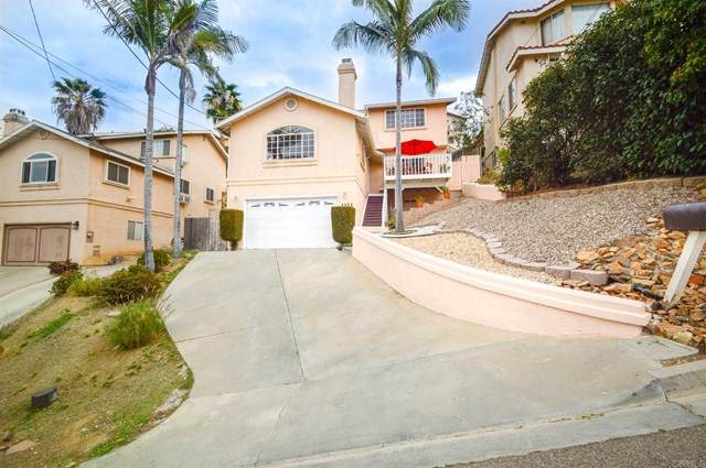 1123 La Mesa Avenue, Spring Valley, CA 91977 (#PTP2100453) :: Team Tami