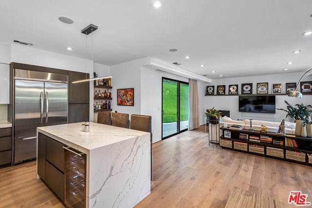 2031 Whitley Avenue, Los Angeles (City), CA 90068 (#21683754) :: RE/MAX Masters