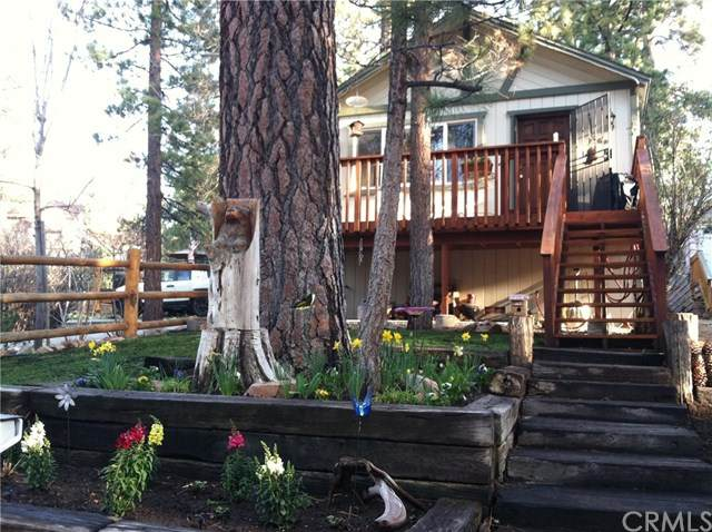 608 Sugarloaf Boulevard, Big Bear, CA 92314 (#EV21012744) :: The DeBonis Team