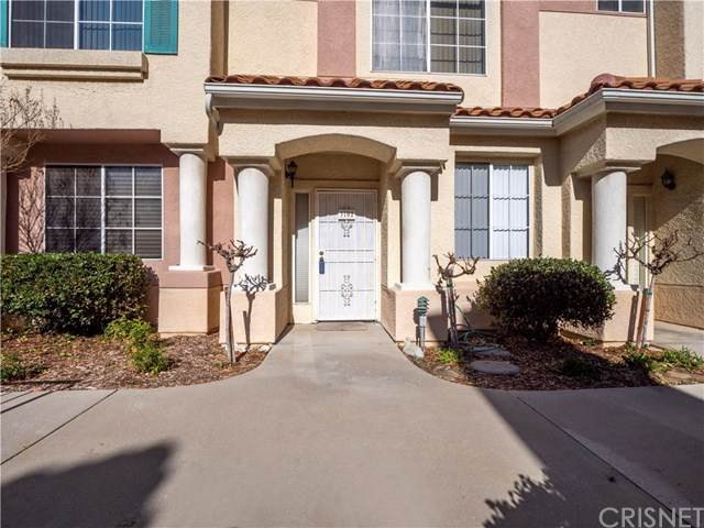 18122 Flynn Drive #3102, Canyon Country, CA 91387 (#SR21013967) :: The Houston Team | Compass
