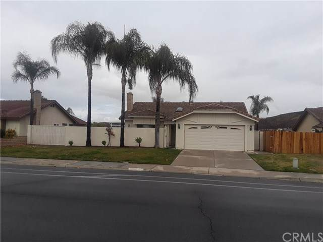 27492 Rio Vista Drive, Menifee, CA 92586 (#IG21015240) :: Blake Cory Home Selling Team